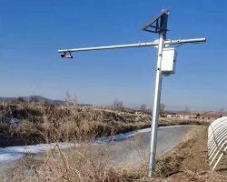 雷达明渠流量计安装现场